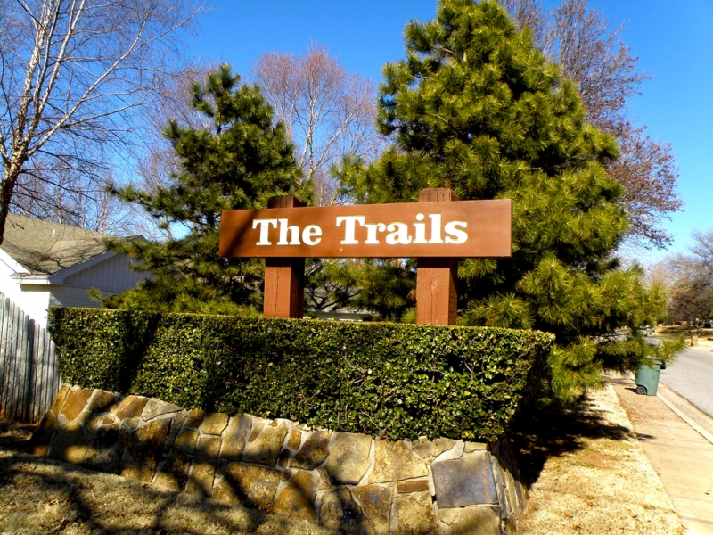 Trails-Entry-Sign-2